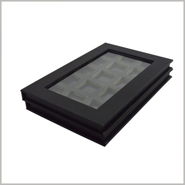 black hard cardboard boxes for eyeshadow packaging.The eyeshadow packaging is cleverly designed to be completely sealed, and the eyeshadows will not be oxidized or damaged.