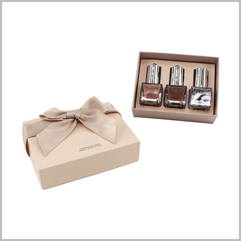 3 bottles of nail polish gift boxes with gift bows.The packaging design of cosmetic boxes is unique, with fashionable elements, which is more easily recognized and accepted by customers.