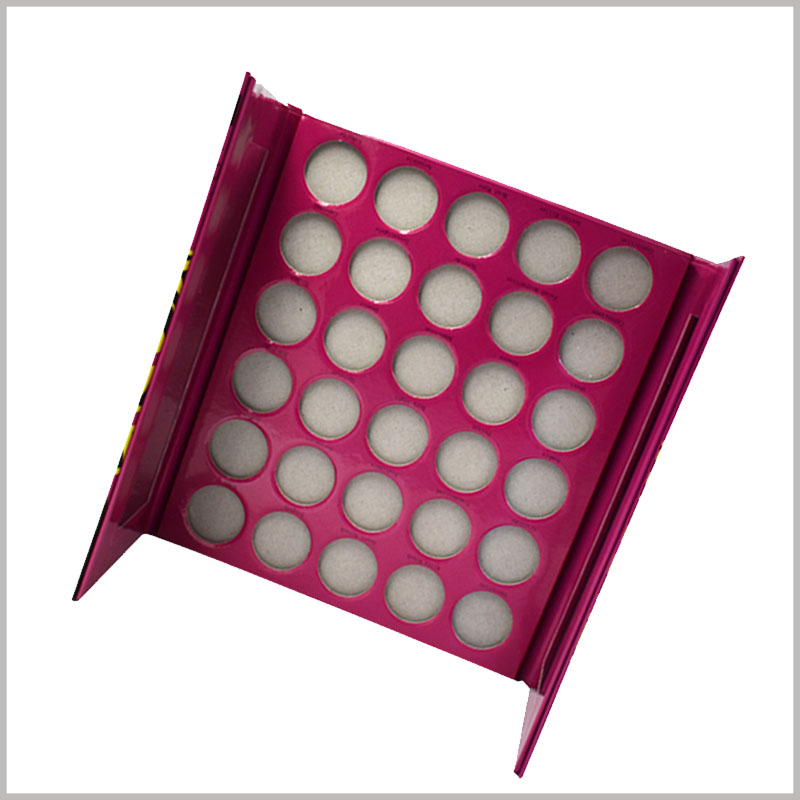 30 colors makeup palette packaging boxes. The unique cosmetic packaging uses biodegradable paper as the raw material, which makes the product packaging meet the requirements of environmental protection.