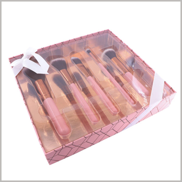5 sticks makeup brushes gift packaging boxes with windows. The transparent PVC has complete transparency, allowing customers to directly see the style of various cosmetic brushes inside the custom packaging.