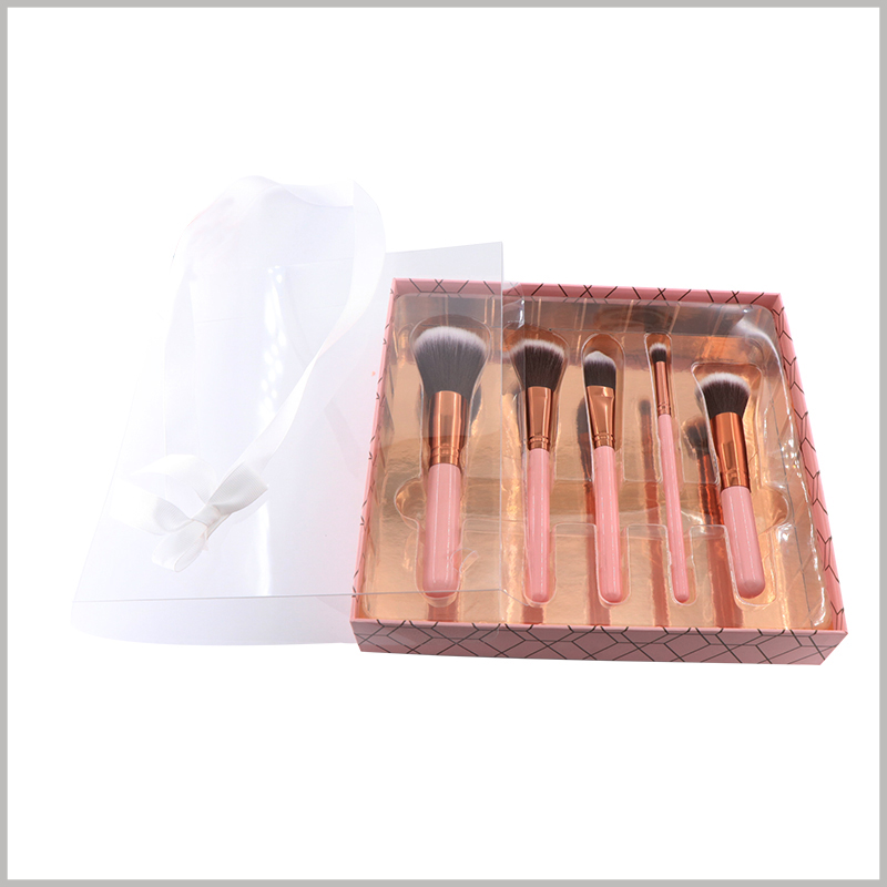 5 sticks of makeup brushes gift packaging boxes with windows. The transparent blister can not only play the role of fixing cosmetic brushes, but also play a role of decoration and beauty to the interior of cosmetic boxes.