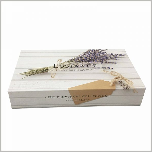 Custom White large cardboard boxes for essential oil packaging.When you see the printed content of white cardboard boxes, you will quickly understand the product characteristics.