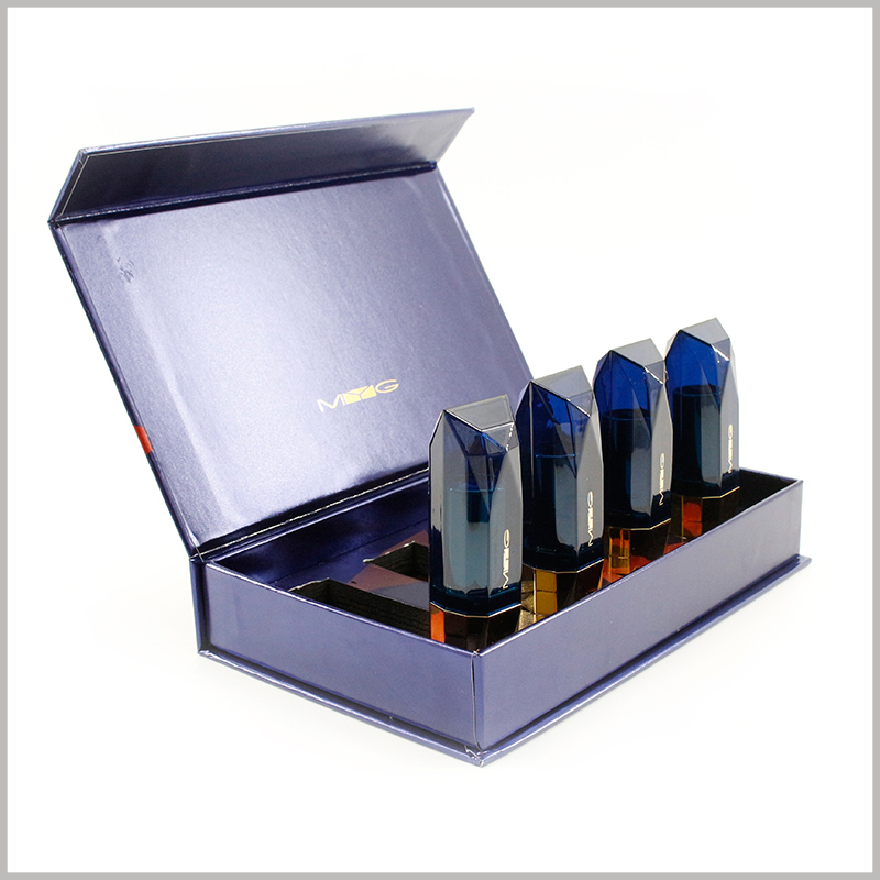 Custom large lipstick gift boxes holds 4 bottles. The customized packaging has a surface with a light glue treatment to increase the gloss of the packaging.