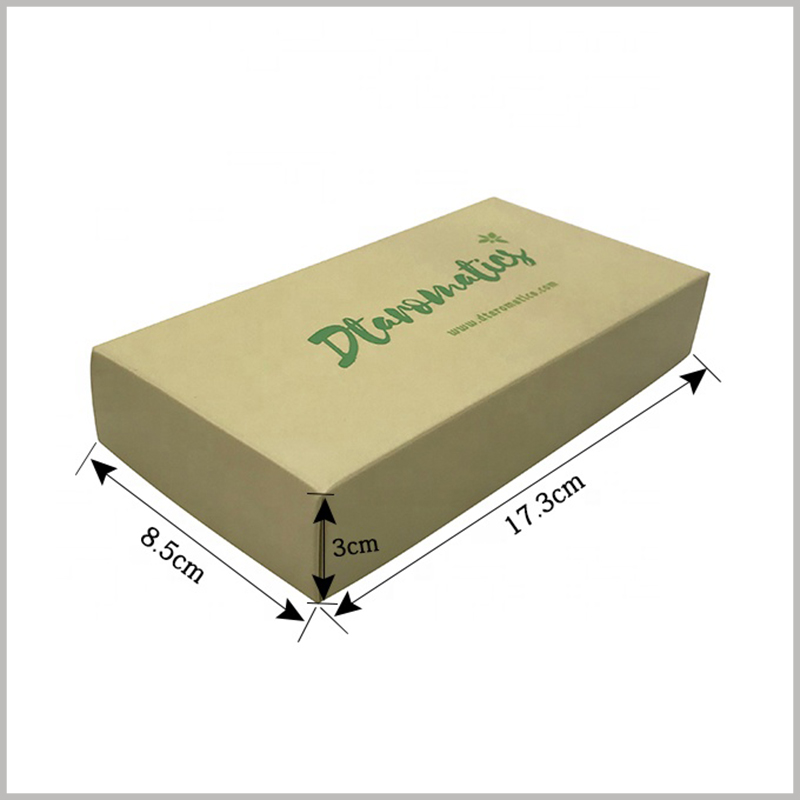 Kraft paper packaging boxes wholesale. 6 bottles of essential oil are packed in kraft paper. The reference size of the box is: 8.5cm×17.3cm×3cm. Or according to the quantity of essential oil in your box, the capacity of essential oil bottle, and the size of the customized packaging.