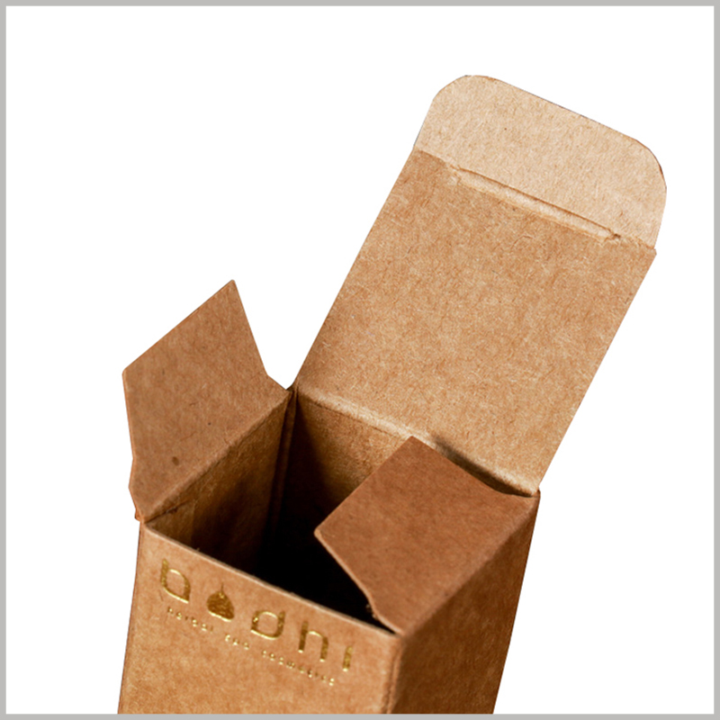 Small kraft paper packaging for 10ml essential oil boxes. Custom packaging is foldable, which can reduce the packaging space and transportation costs.
