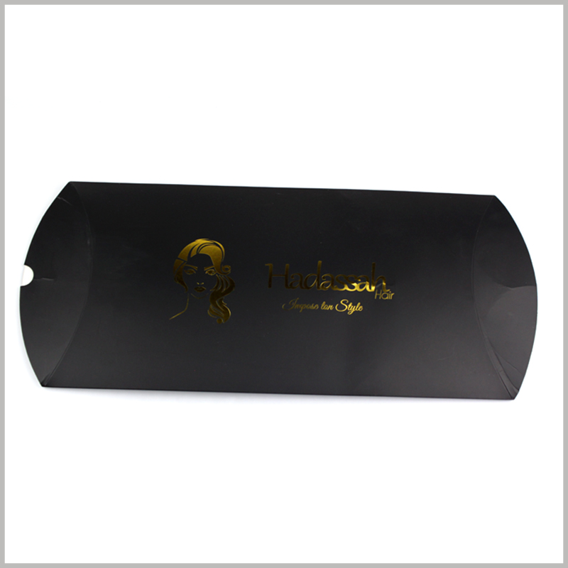 Custom foldable black pillow boxes for hair extension packaging.Bronzing printing is only available for hair extension packaging, which improves the aesthetics of wig product packaging.