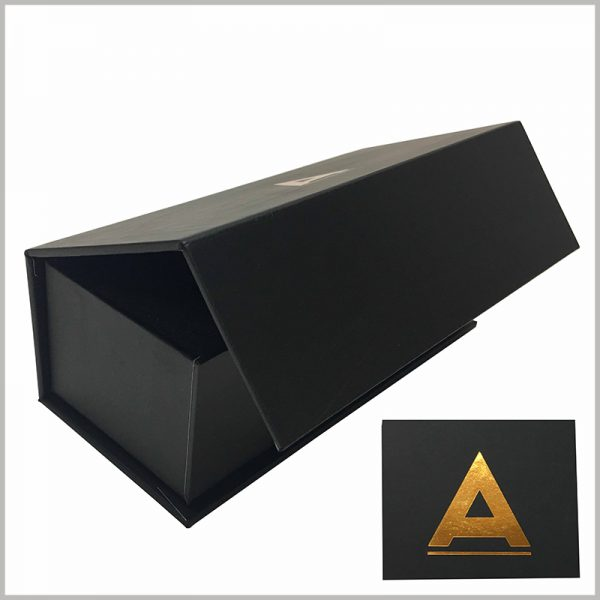 black small cardboard packaging boxes wholesale,The top cover of the cardboard gift boxes has a logo, which is printed in bronzing.
