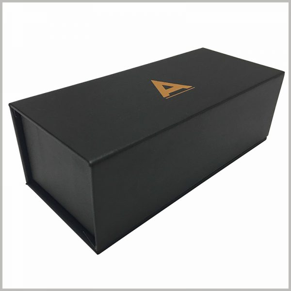 black small cardboard packaging boxes with bronzing printing,You can use it for packaging essential oils, perfumes, skin care products and more. Print unique information on the bottom or inside of the box to reflect the uniqueness of the product.