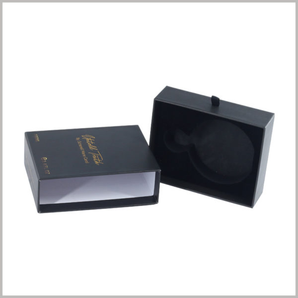 black small drawer boxes for perfumes packaging. The drawer package can slide the inner box, so that the package can be easily opened to take out the products inside.