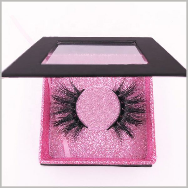 black square eyelash boxes with windows.Small product packaging can make it convenient for customers to carry the product anywhere, and customers are more willing to choose small packaging eyelashes.