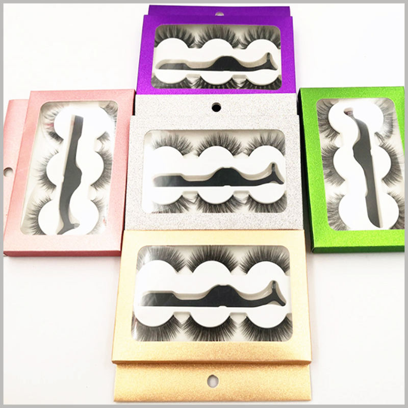 cheap Eyeslash packaging boxes with window for 3-pair pack. The blister inside the custom packaging has been specially designed to hold three pairs of false eyelashes and eyelash brushes.