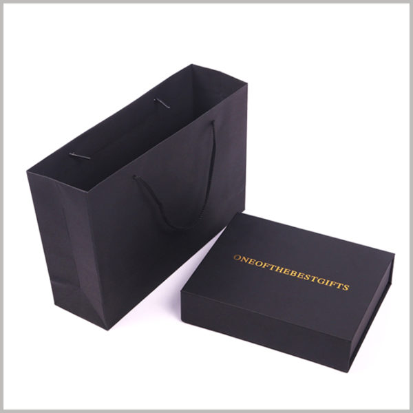 custom black cardboard gift boxes for three of lipstick set, Both gift boxes and gift bags are available for you, both are custom packaging of the highest quality.