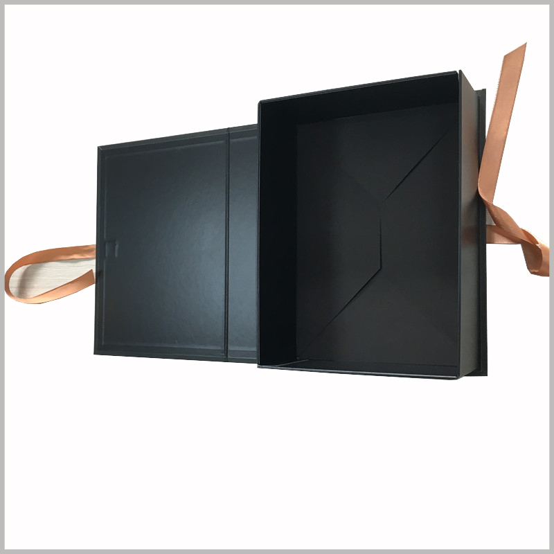 custom black cardboard gift boxes packaging for hair bundles.The cardboard boxes are specially structured and the packaging is foldable.