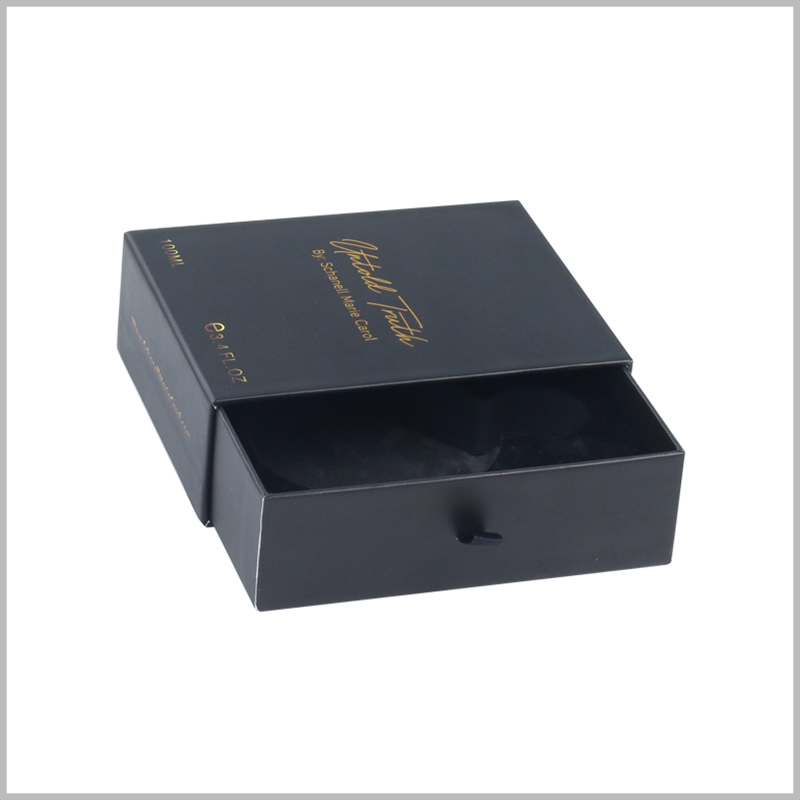 custom cardboard drawer boxes for perfumes packaging.The fine grain paper covers the front of the packaging box, which can effectively improve the visual sense of the packaging.