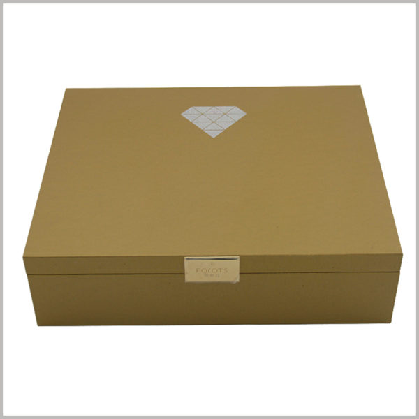 custom large cardboard boxes packaging for skin care set, Printing the brand logo on the top cover of the cardboard box is one of the important ways to promote the brand and build the brand.