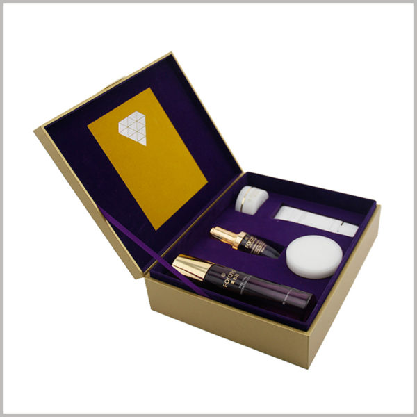 Custom large cardboard boxes packaging for skin care set. The interior of custom printed packaging uses violet natural flannel as decoration, which effectively improves the aesthetics of the packaging interior.