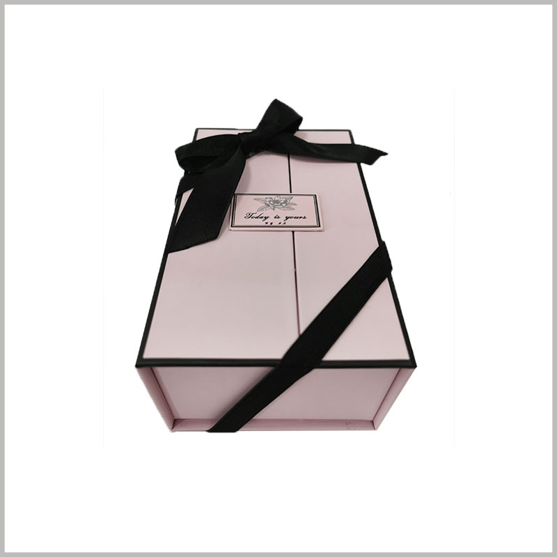 wholesale perfume bottles packaging with bows.Perfume cardboard boxes have high hardness, which has a good protective effect on the products inside the packaging.