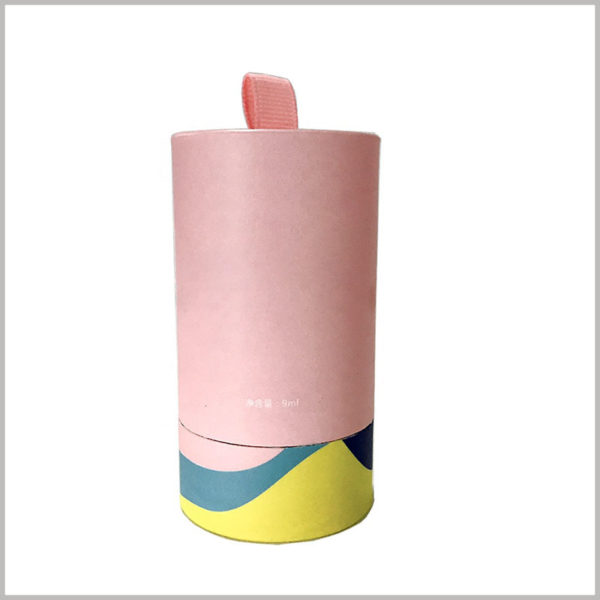 small paper tube boxes for single nail polish packaging. The customized nail polish packaging uses a paper tube structure, and cute pink is the main color theme of the packaging design.